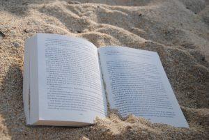 I libri migliori da leggere sotto l'ombrellone, ecco la top 10