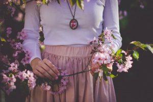 Collana da donna: i gioielli più belli per i tuoi outfit