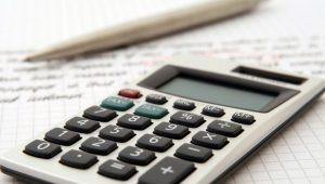 Calcolatrice scientifica: tornare a scuola a conti fatti