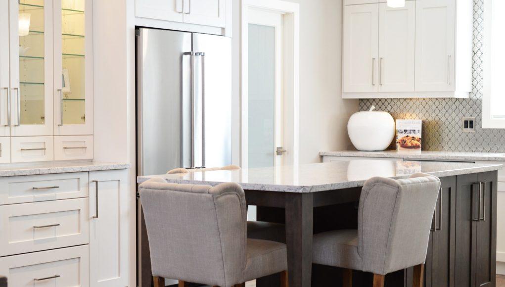 Sedie moderne: dove accomodarti nella tua cucina di design - Guida ...