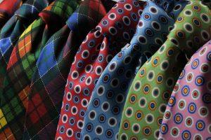 Cravatta: l'accessorio classico per un uomo moderno