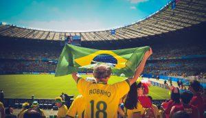 Maglia da calcio: cinque proposte per tifosi e tifose con gusto