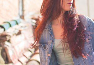 Hennè: le tinte per capelli più naturali per una chioma lucente