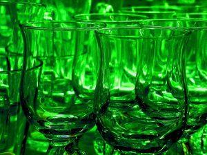 Assenzio: cinque etichette per riscoprire il fascino del liquore bohémien
