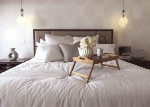 Vassoio da letto: il migliore per il tuo relax casalingo