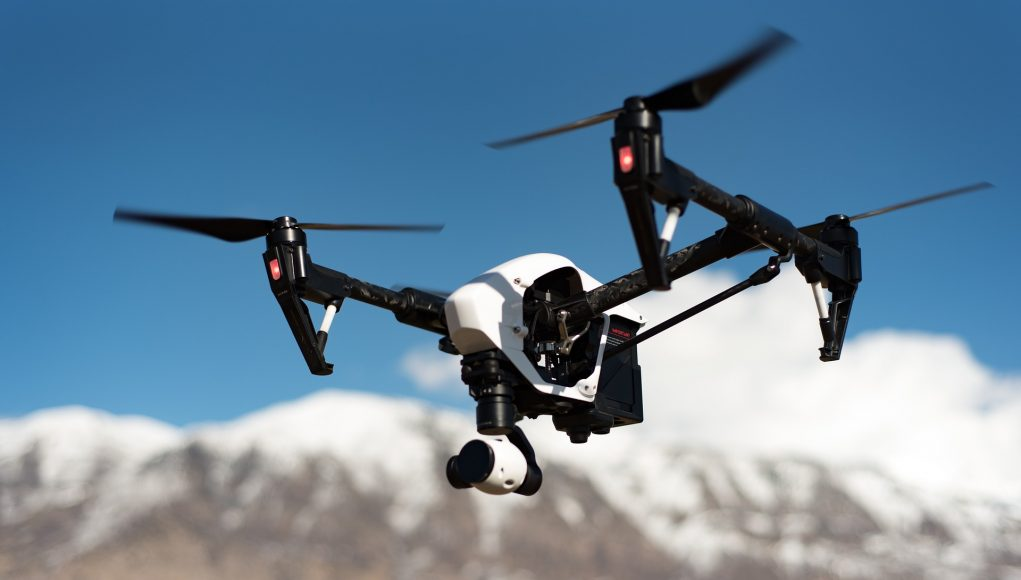 drone con telecamera
