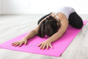 Il tappetino da yoga: perfetto per gli esercizi, comodo per i momenti di relax