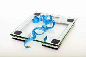 Bilancia elettronica intelligente: come vincere il gioco dei pesi monitorando la propria salute