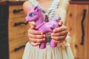 Pigiama unicorno: l'ultima tendenza moda per l'inverno