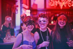 Decorazioni Capodanno 2019: quali scegliere per una notte davvero da urlo