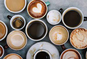 Tazzine da caffè: meglio in vetro oppure in ceramica? Vintage o moderne?