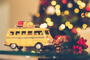 Regali per bimbi: le piste per macchinine più divertenti da regalare a Natale