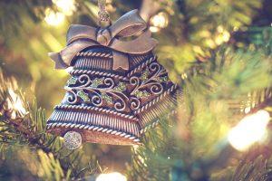 Addobbi per l'albero di Natale: le migliori proposte per decorare la festa più bella dell'anno