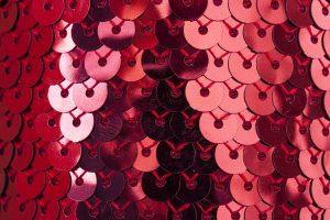 La giarrettiera rossa: l'accessorio indispensabile da regalare o indossare per un Capodanno con i fiocchi