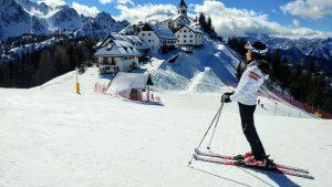 Pantaloni da sci per donna: i migliori per avere libertà di movimento e comfort sulla neve