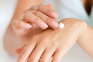 Crema mani: le migliori creme per proteggere le mani