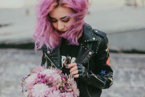 Giacca di pelle da donna: qual è il modello più adatto al tuo outfit?