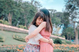 Vestiti da bambina per la primavera: ecco i più carini per le vostre piccole donne