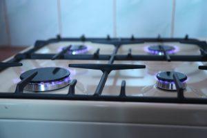 Piano cottura: cinque proposte per cucinare al meglio, in sicurezza, con un occhio al design