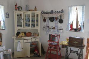 Credenza: tradizionale o dal design moderno, un mobile immancabile nelle nostre cucine