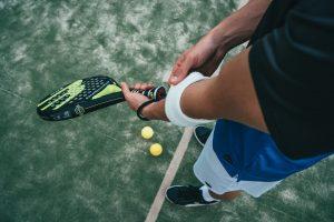 Racchetta tennis: scegli il modello perfetto per il tuo divertimento sulla terra rossa