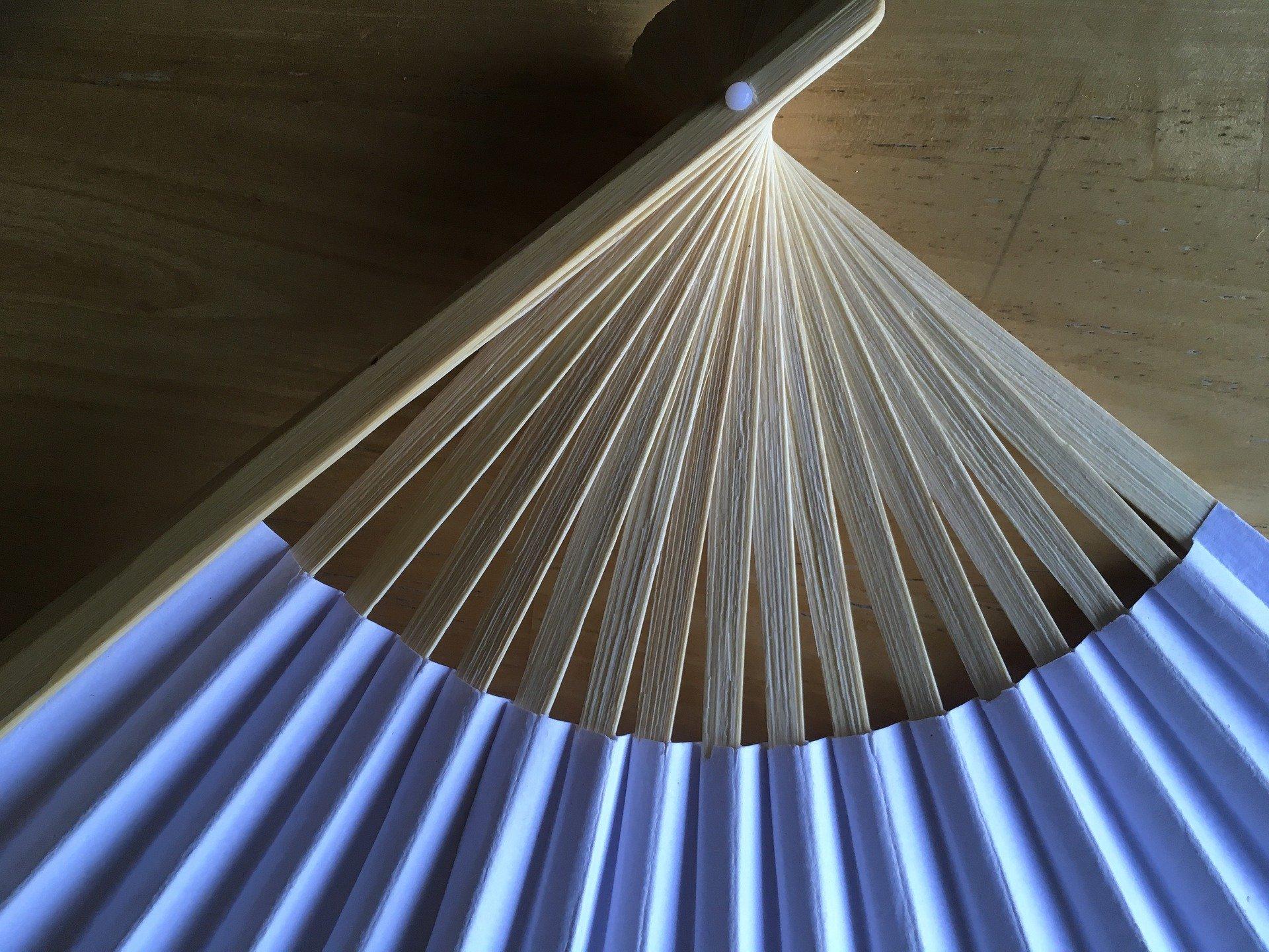 Ventagli Da Parete Decorativi ventaglio: l'accessorio indispensabile per l'estate - guida