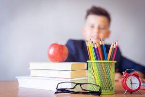 Libri scolastici: scopri il buono sconto da 5€ grazie ai titoli più stimolanti per scuole medie e superiori