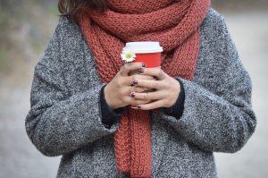 Maglione da donna: un classico dell'inverno rinnovato dalla moda del momento