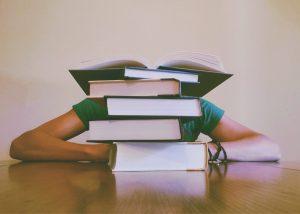 Libri universitari: ecco il buono sconto da 15€ su 50€ di acquisto