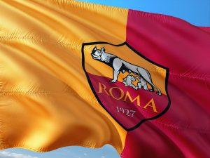 As Roma Store: arriva su Amazon con i migliori prodotti per i tifosi