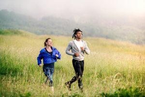 Abbigliamento da running: i migliori completi che permettono di praticare la corsa in qualsiasi stagione