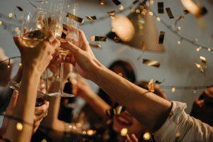 Quali decorazioni scegliere per stupire tutti e realizzare una festa grandiosa a Capodanno 2020?