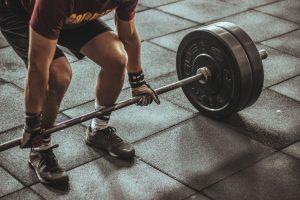 Gli accessori per un allenamento produttivo in casa, il miglior bilanciere per pesi