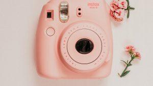 Fotocamere istantanee: quali sono le migliori per le tue foto ricordo?